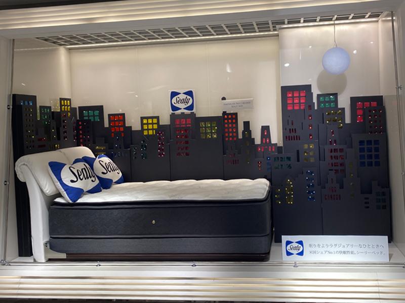伊勢丹 新宿店5階ベッドバスパウダールームフロア『シーリー アートフレーム』